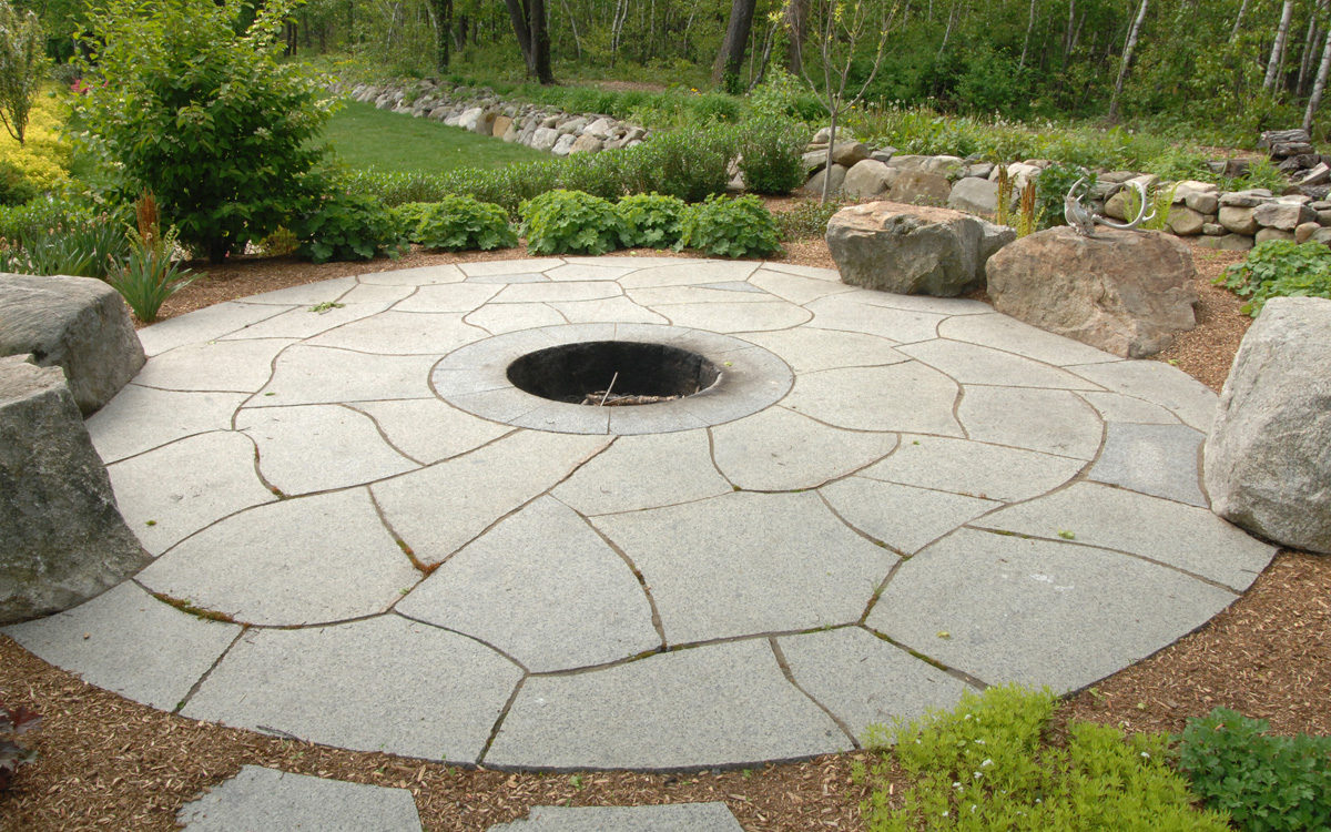 Slate Firepit with Natural Stone Seating
